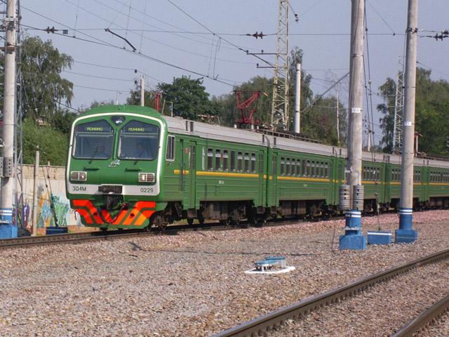 ЭД4м-0229, единственный электропоезд ЭД4м последнего выпуска, покрашенный в классическую зеленую цветовую схему.