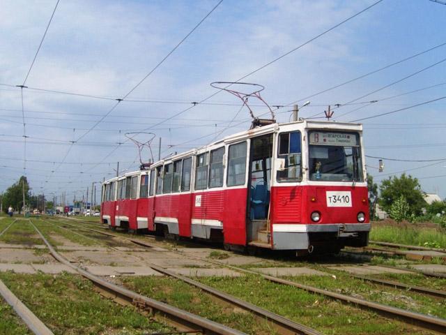 По сообщению центральной трамвайной диспетчерской службы Нижнего Новгорода, на Молитовском мосту с рельсов сошел один...
